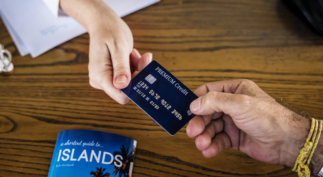 emprestar-cartao-de-credito