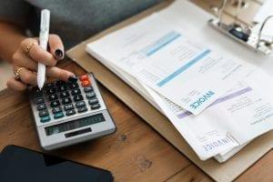 Empréstimo para pagar dívidas: 4 itens que requer atenção