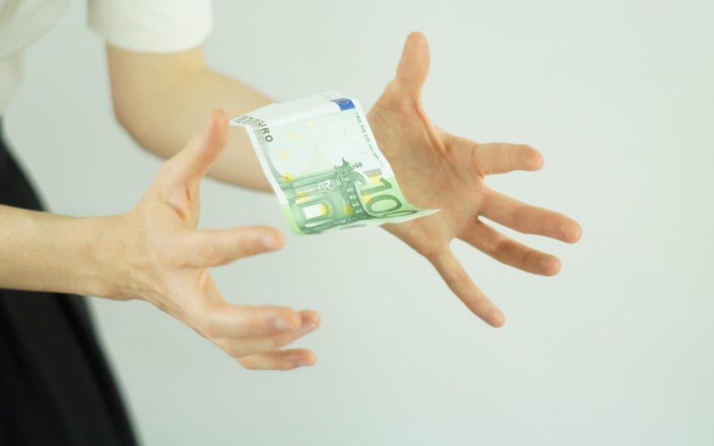 sociedade de credito ao microempreendedor