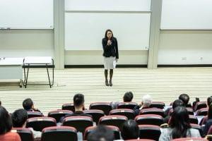 Como iniciar palestras? 5 dicas importantíssimas de oratória