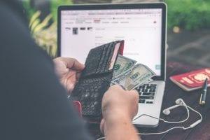 Tipos de gastos: conheça quais são e como impactam seu orçamento!